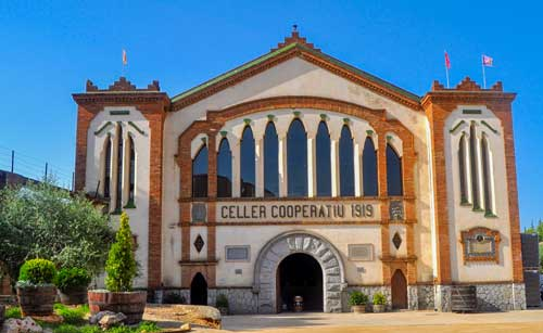 Places to visit in falset - catalan holidays -winery visits - spanish wine holidays